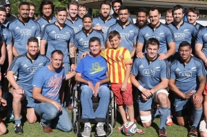 RESPECTFUL RIVALRY: Today's All Blacks flank motor neuron disease suffering Springboks great Joost van der Westhuizen in Johannesburg.