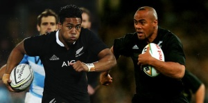 Julian Savea and Jonah Lomu