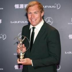 Schalk Burger receives the Laureaus World Comeback of the Year Award 2015