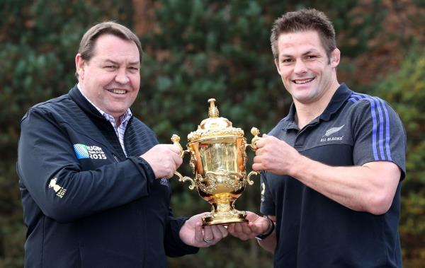 Steve Hansen & Richie McCaw with the coveted Webb Ellis Cup